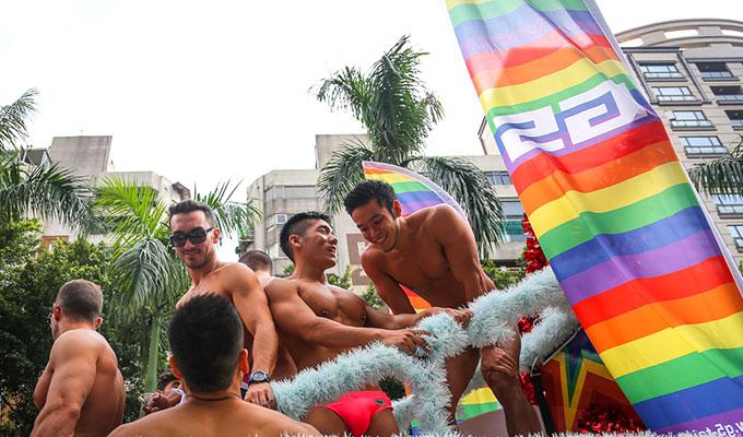 毎年台北で開催される大規模なゲイパレード